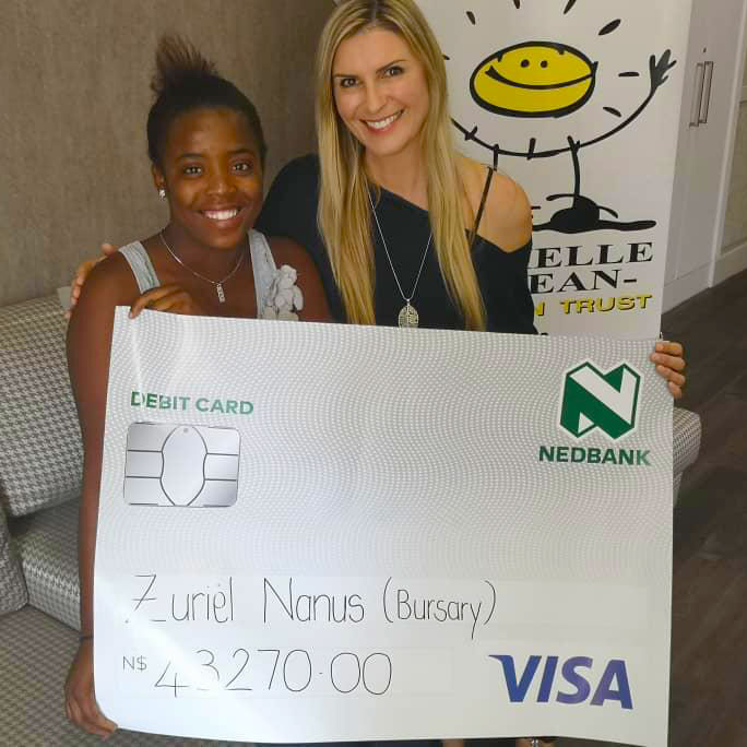 Zuriel-Bursary-Hand-Over